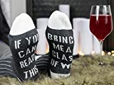 Pretty Awesome Socks Wein Socken mit If You Can Read This Bring Me Some Wine (Geschenkidee, lustiges Wein-Zubehör für Frauen, tolles Geburtstags- & Gastgeschenk)